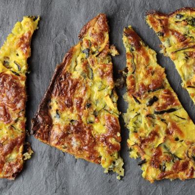 Crackers cu zucchini si mozzarella