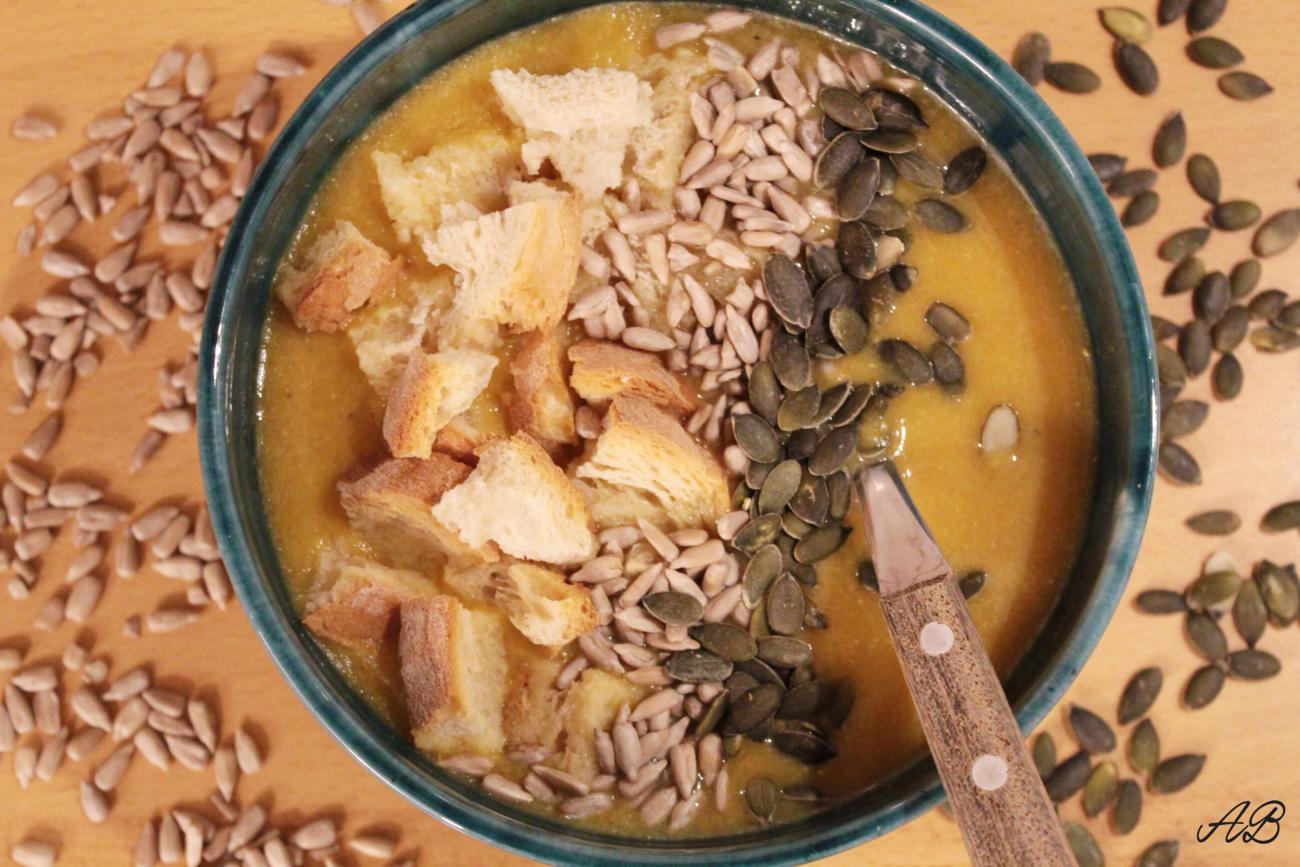 Supă cremă de linte cu dovleac