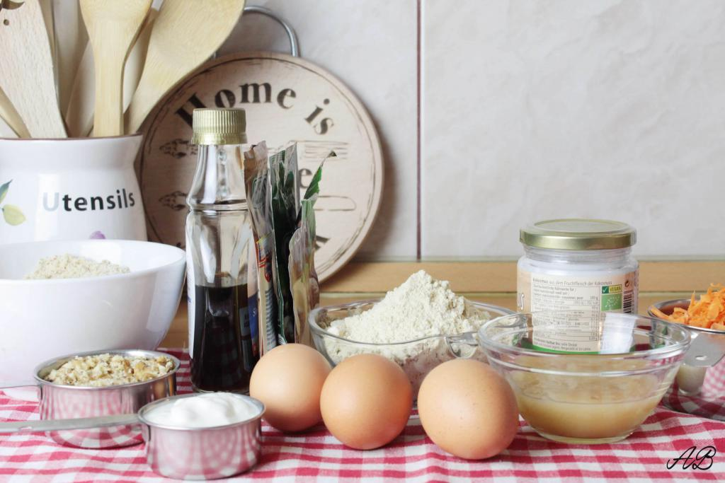 Tort de morcovi fara zahar fara gluten ingrediente