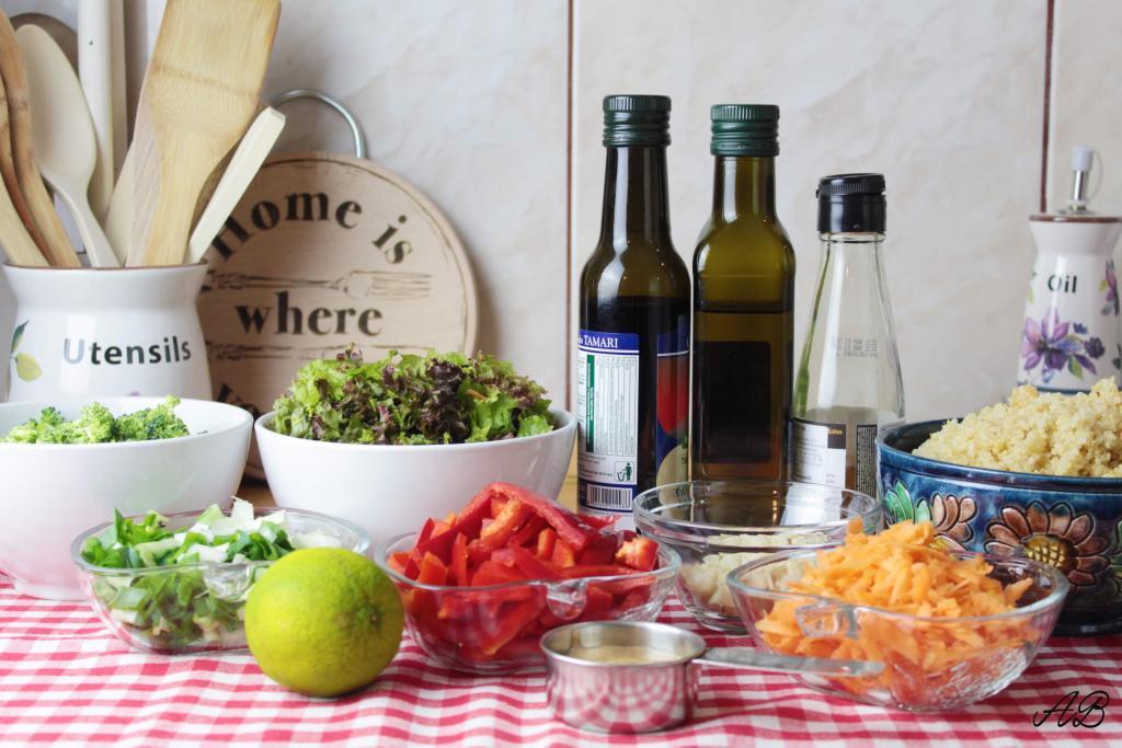 Salata cu quinoa și unt de migdale ingrediente